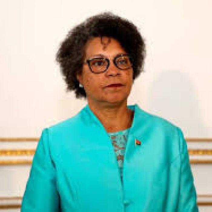 Luisa Grilo-Ministra da Educação